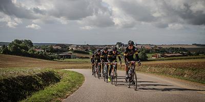 Een team op de route tijdens Tour for Life